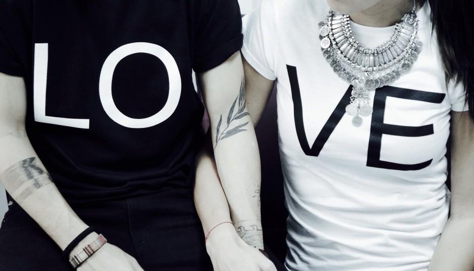 LO VE tricou
