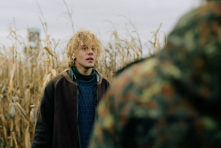 tom-a-la-ferme-tom-at-the-farm-by-xavier-dolan