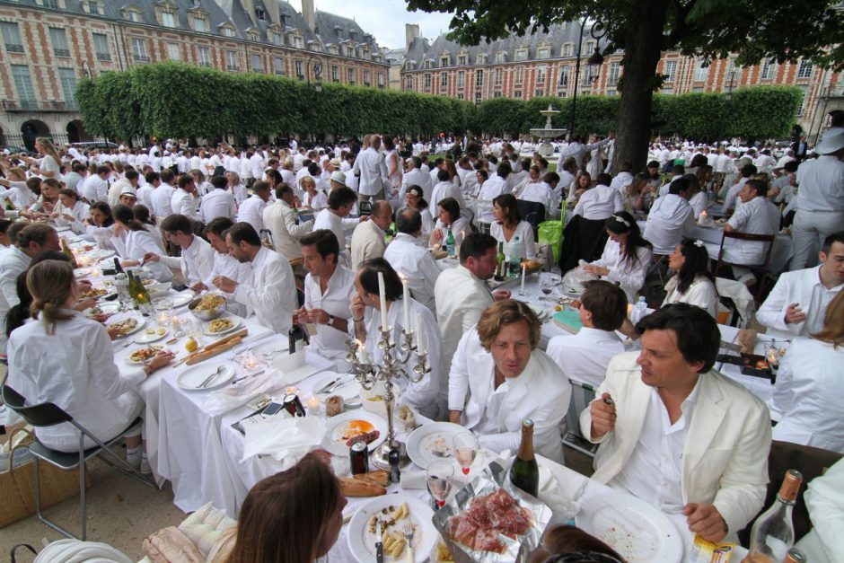 Diner En Blanc: The World's Largest Dinner Party