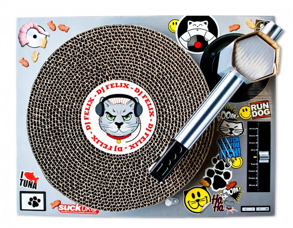 Statie-de-DJ-pentru-pisici-1