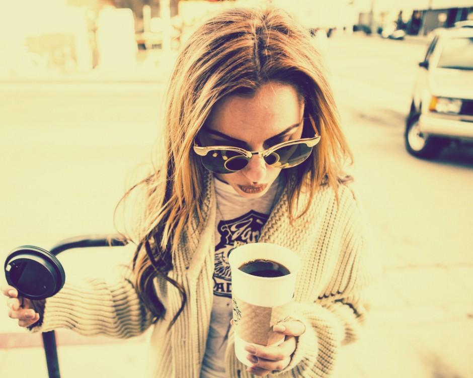 Alexandra Stan_coffee time